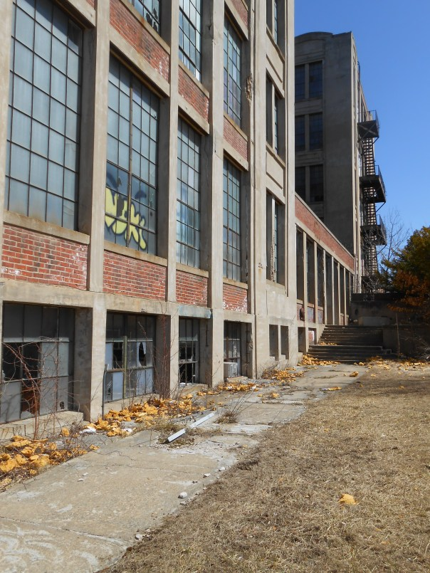 the empty Sanford Mills building (c) DA Dartt Hurst